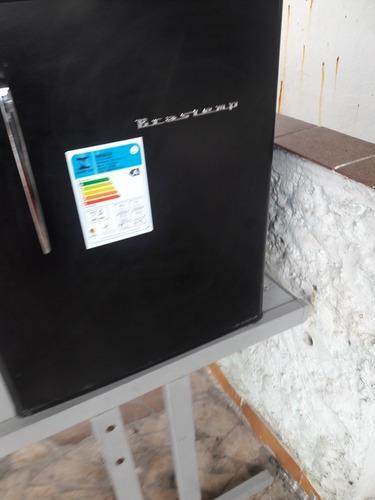 frigobar  preto 76litros