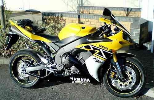 Aparador Y Vitrina Clasico ~ Friso Adesivo Aro Roda Moto Yamaha Honda Suzuki Kawasaki R$ 19,00 em Mercado Livre