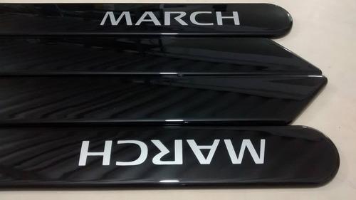 friso lateral nissan new march preto cor original