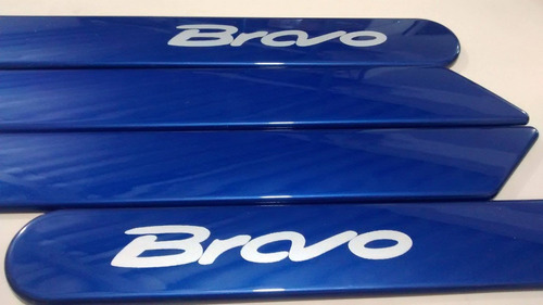friso lateral novo fiat bravo azul masserati cor original