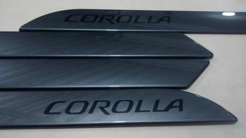 friso lateral toyota corolla cinza galactico cor original