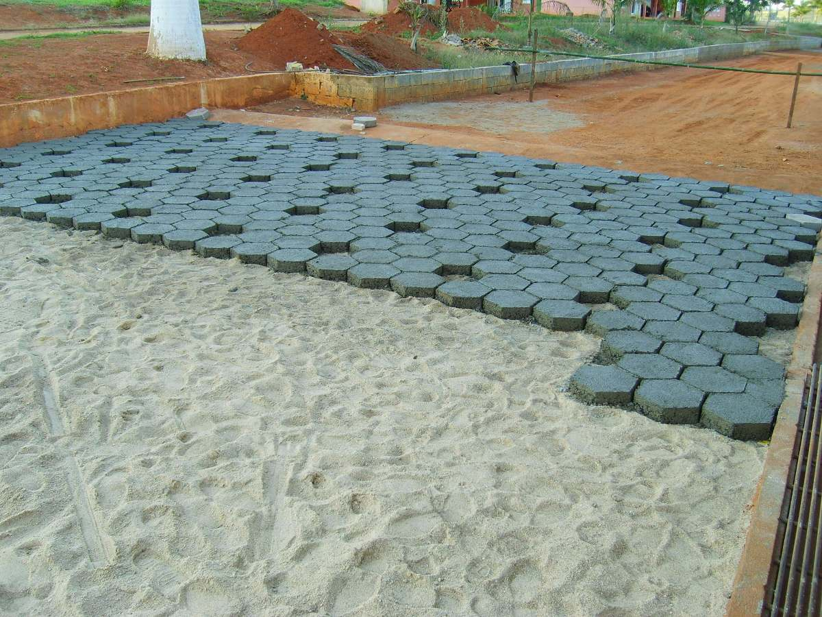 F rma de a o para fabricar piso de concreto sextavado for Pisos para escaleras de concreto