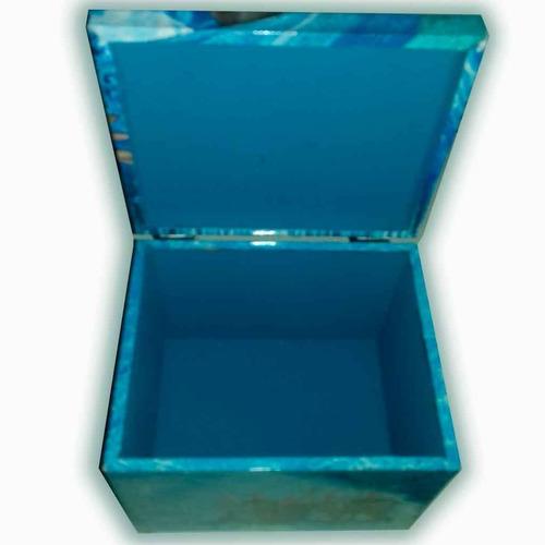 frozen caja de madera cubica