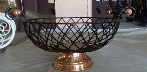fruteira trançada em ferro e cobre - frete grátis