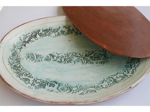 fuente cerámica/tierra alargada