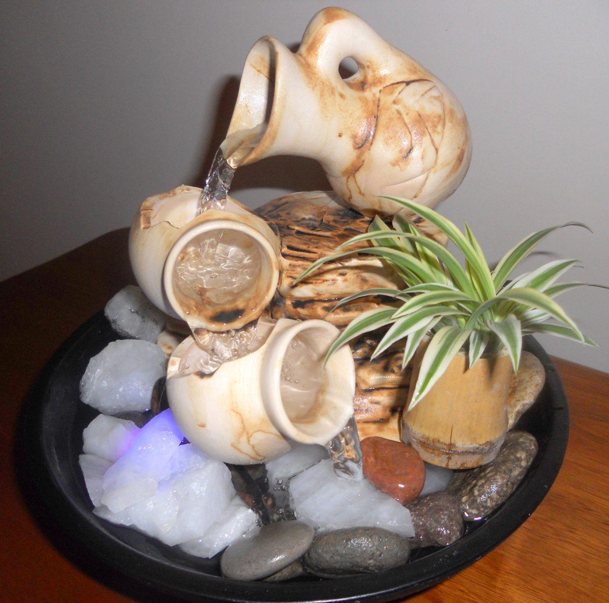 fuente de agua feng shui caidas con luz y cuarzo el sol