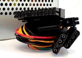 fuente de poder pc atx 450w 20 / 24 pines con conector sata