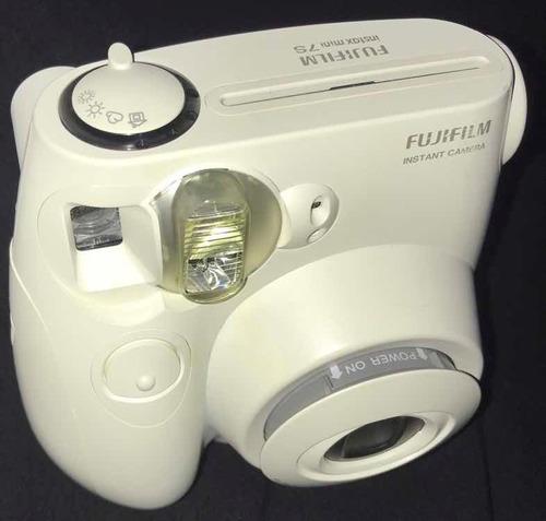 fujifilm instax - polaroid