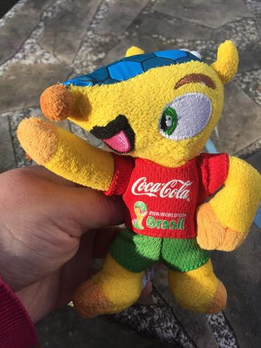fuleco mascota mundial brasil 2014  llavero coca cola