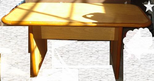 fumaya escritorio oficina mesa ratona silla sala de espera