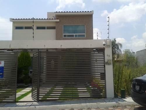 funcional y hermosa casa en venta en fracc. milenio iii qro. mex.