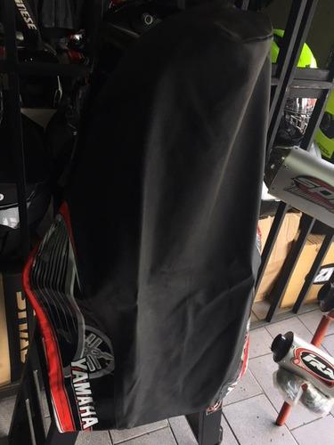 funda asiento moto yamaha crypton gama c/ rojo motovergara