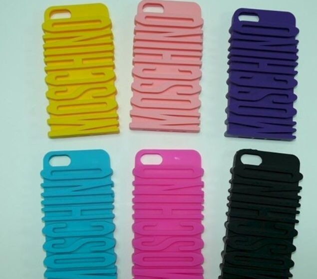 51edd236014 Funda Moschino Letras 3d Logo Saltado iPhone 5 5s 6 6s Plus ...