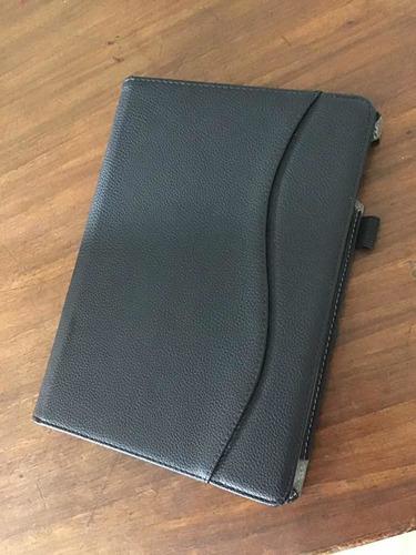 funda para ipad negra, fintie de cuero, ejecutiva, poco uso.