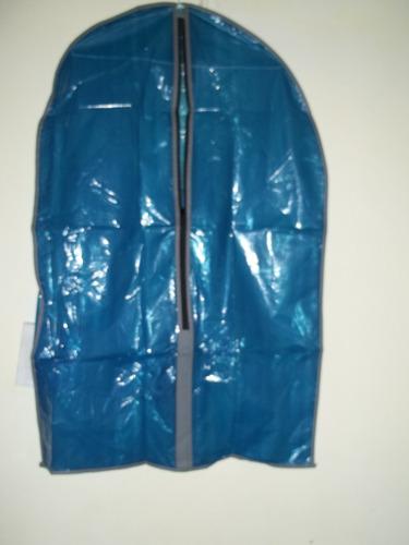 funda porta traje-protege su ropa de humedad y polvo