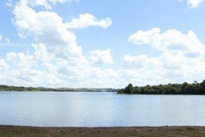 fundos para represa - condominio -terreno-1.070 m²-cód.t028