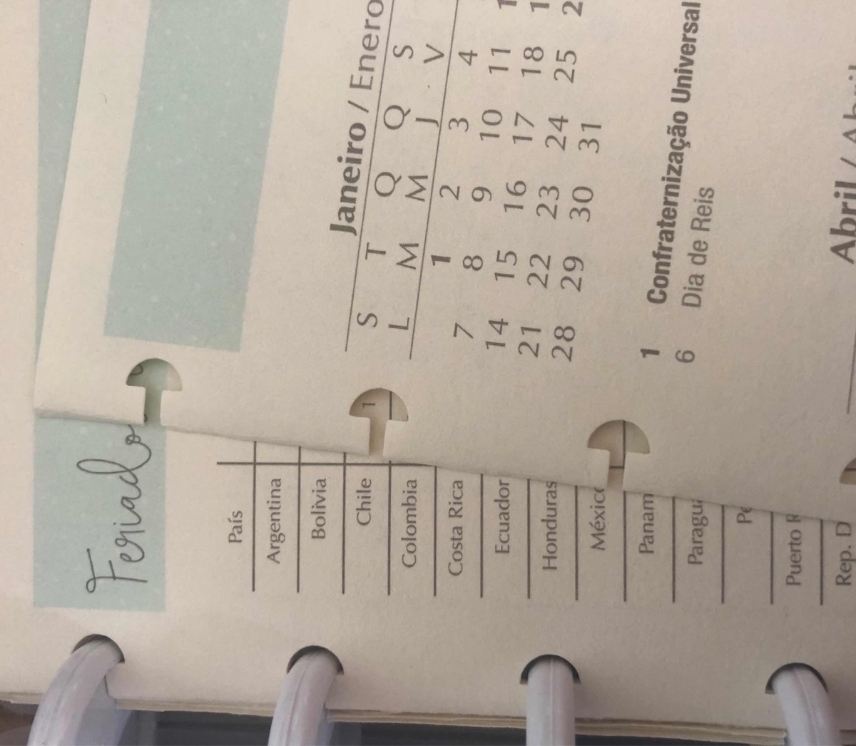 Furador Staples Para Caderno Inteligente E Happy Planner