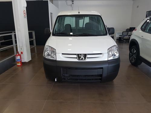 furgon con asientos hdi / adjud/ $ 195000