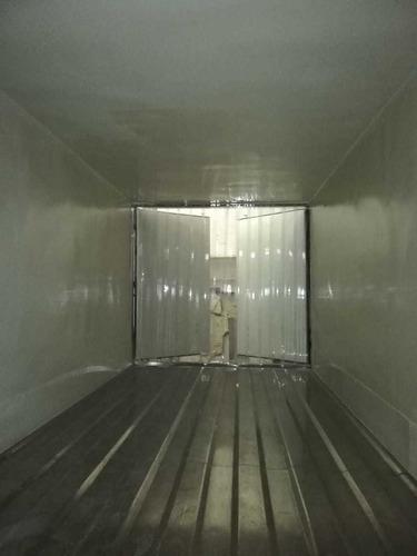 furgón en fibra de vidrio