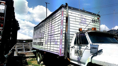 furgon para camion sencillo, en buen estado