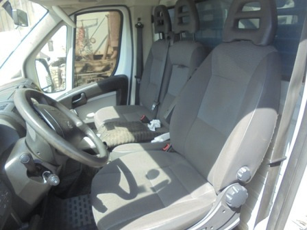 furgon peugeot 03-19-217