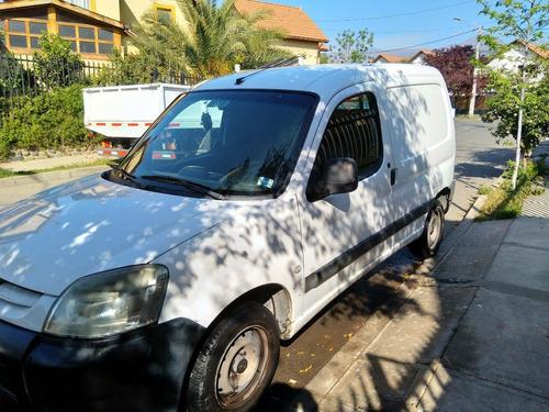 furgon peugeot partner 1.9 color blanco año2004
