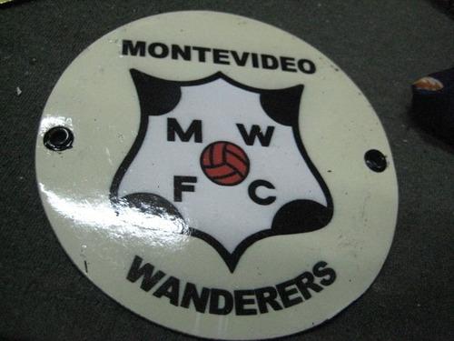 futbol wanderers chapa  12 cm diametro impecable