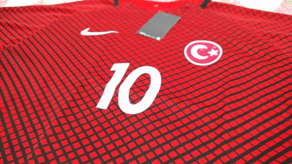 Carregando zoom... camisa futebol seleção turquia vermelha - turan 10 euro  2016 5341ce121bd99