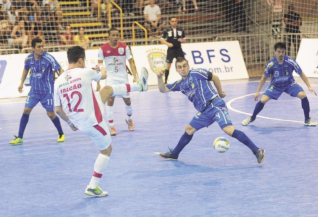854ef5c1a6 Chuteira De Futsal Umbro Falcão Indoor - Frete Grátis - R  249