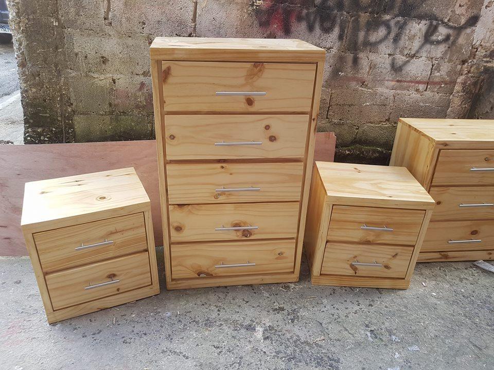 Gabetero mesita y viudo 10 en mercado libre for Quien compra muebles usados