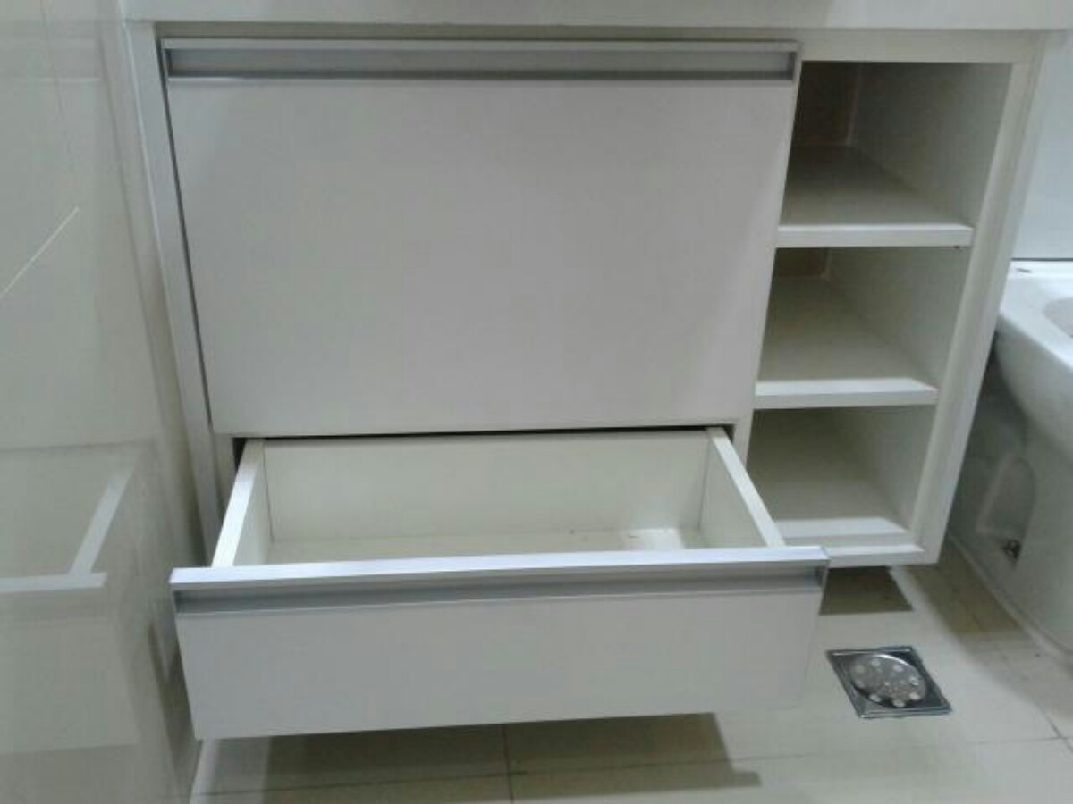 Gabinete De Banheiro Em Mdf  R$ 550,00 em Mercado Livre -> Como Fazer Um Armario De Banheiro De Mdf