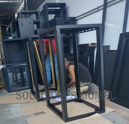 gabinete de piso 24ru puerta microperforada 1.20 mts altura