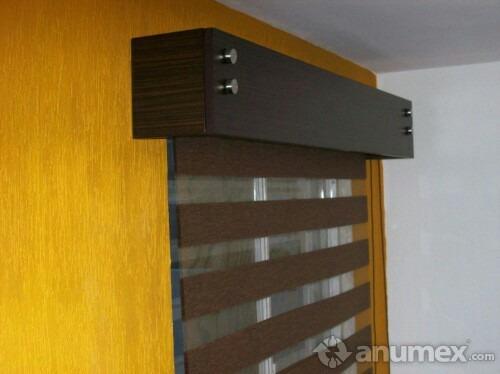 Galeria para cortinero en madera de cedro 3 en for Modelos de techos para galerias