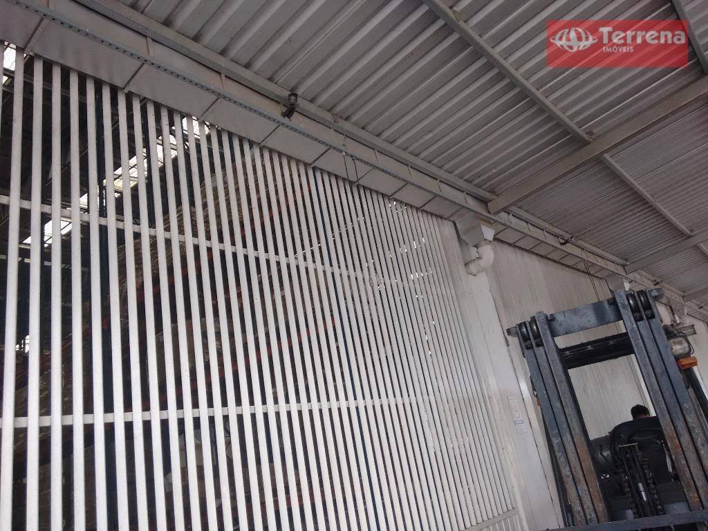 galpão comercial com 12 docas e 4.690m² de área construída no bairro gasparinho, em gaspar - ga0036
