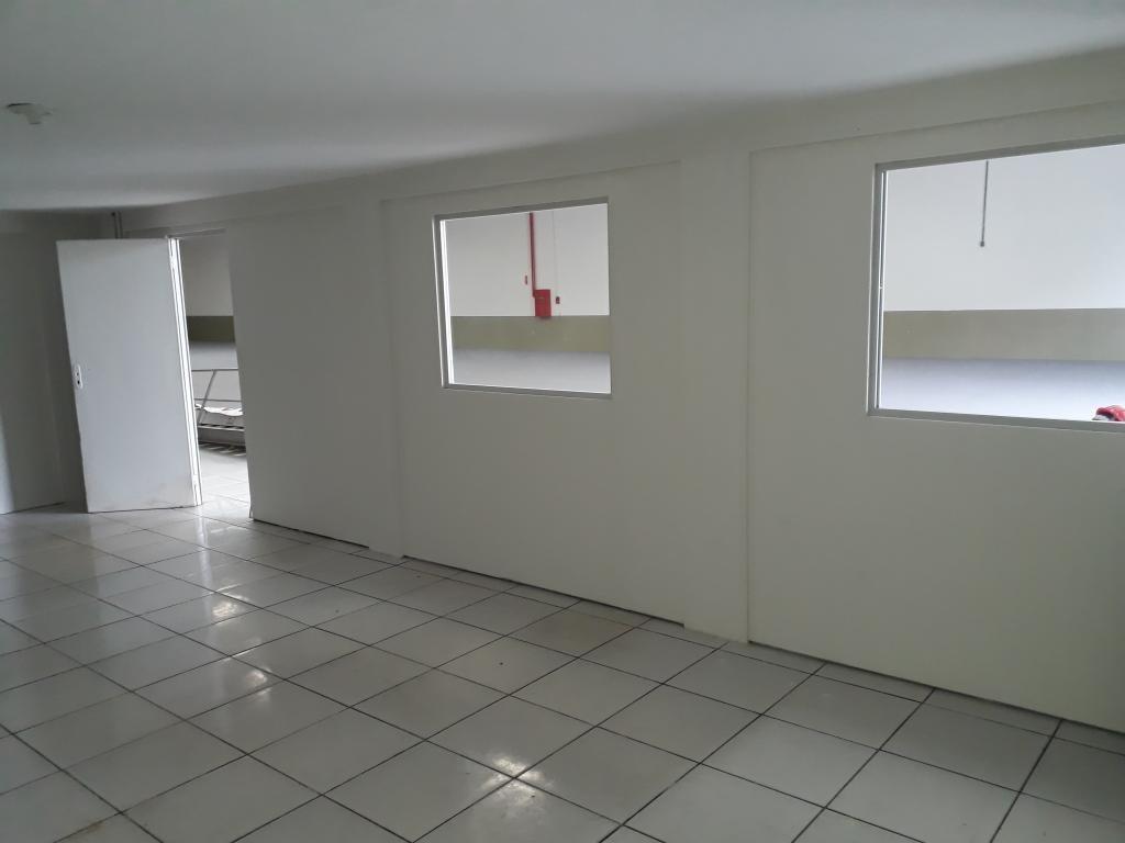 galpão no bom retiro com 0 quartos para locação, 0 m² - lc118