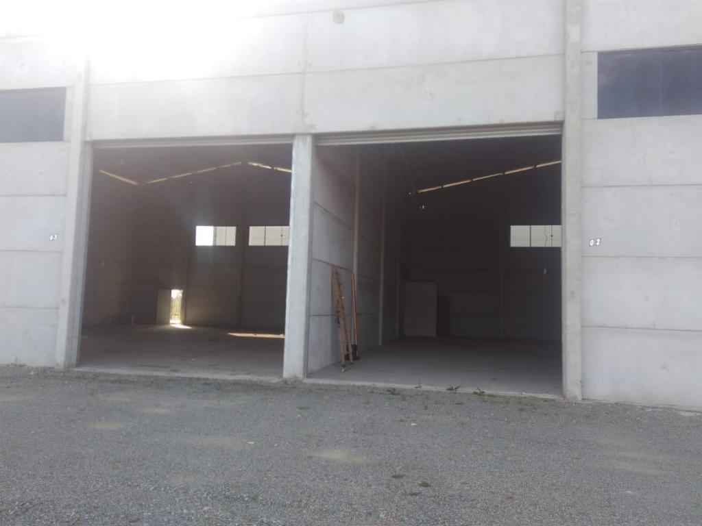 galpão no volta redonda com 0 quartos para locação, 400 m² - lg1518