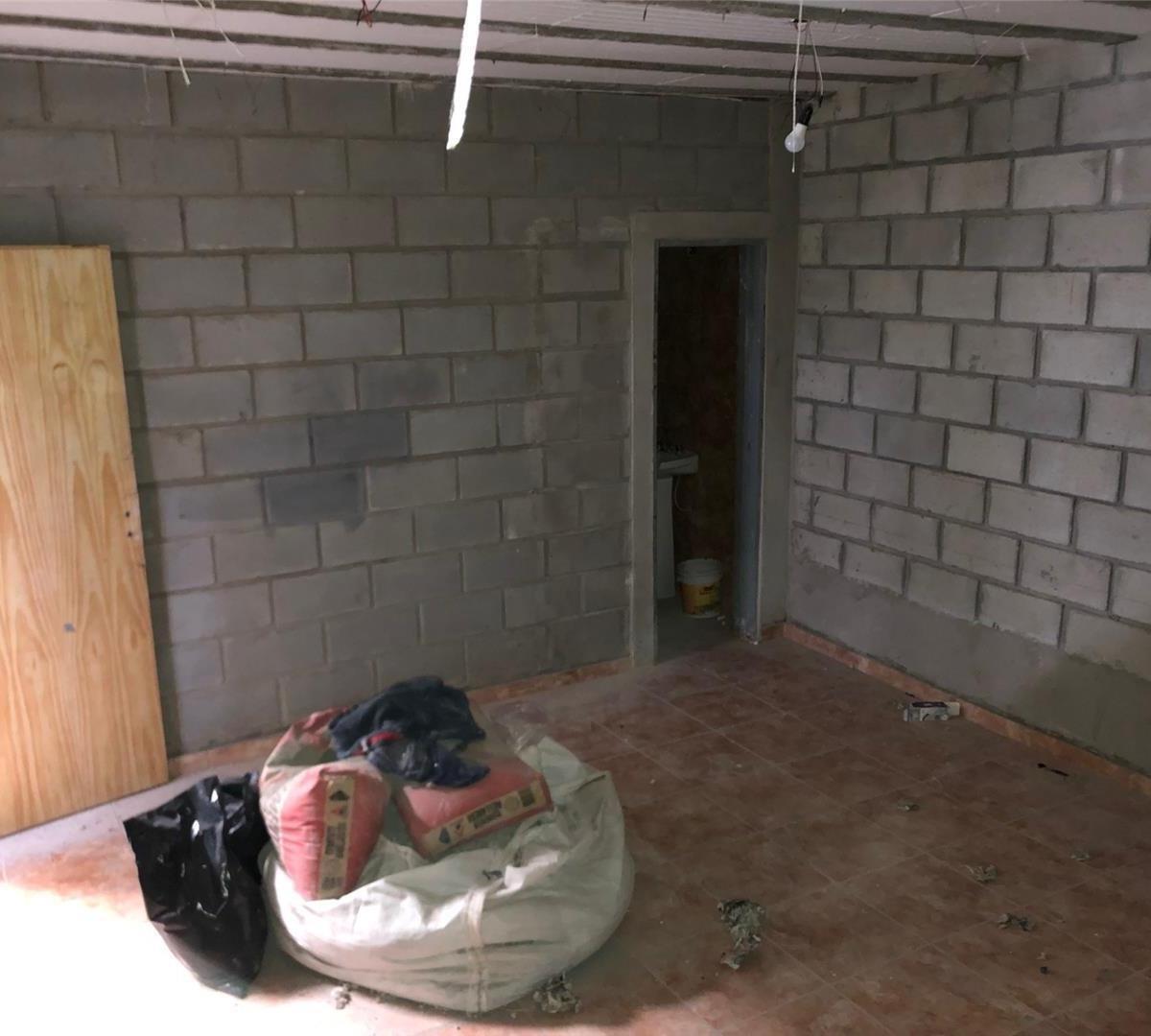 galpón- 300 m2 c/ oficina y vestuario- con renta -lote 10x30