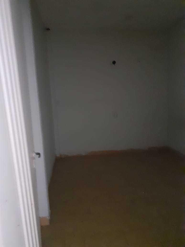 galpon con garage, patio en pb y dto de 3 amb en primer piso