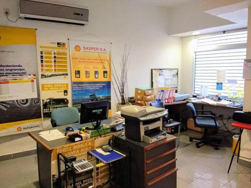 galpón con oficnas comerciales en dos ,plantas integradas, entrada independiente