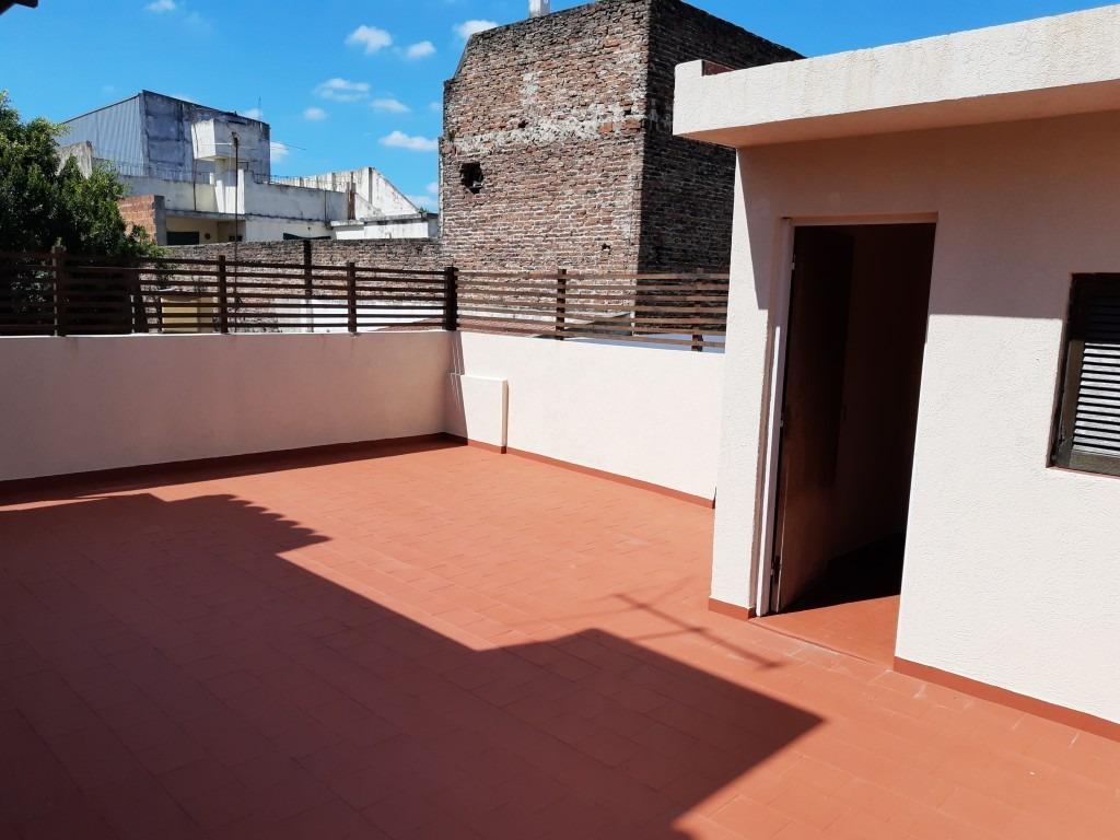 galpon con vivienda 3 ambientes en alquiler
