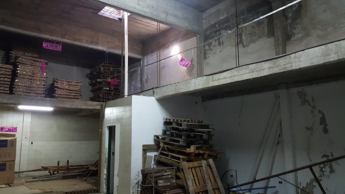 galpon con vivienda en primer piso