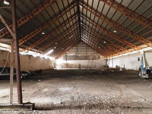 galpon de 1450 m2 en un terreno de 2300 m2 en alquiler