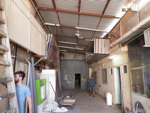 galpon de 200 m2 cub + oficinas y entrada amplia. -alq o ven