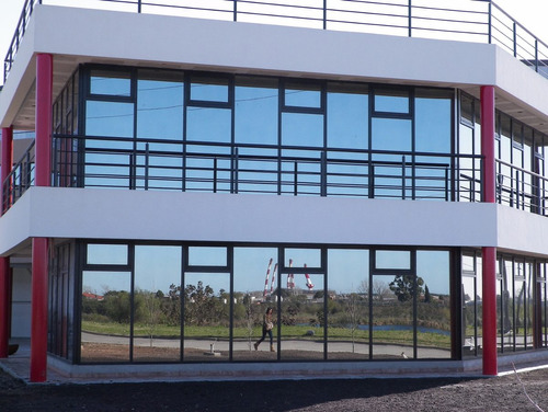 galpón de 2300 m2 cubiertos+400 m2 de oficinas-vest- pitq