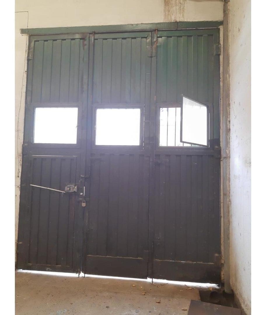 galpón de 240 m2 c/  2 oficinas y salón