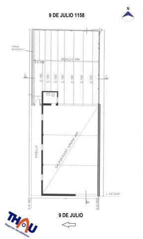 galpón de 242 m2 aproximados con baño en construcción con piso de hormigón y techo de chapa.