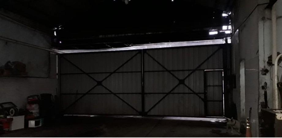 galpón de 960 m2 cubiertos en venta en avellaneda. en muy buen estado. con trifasica