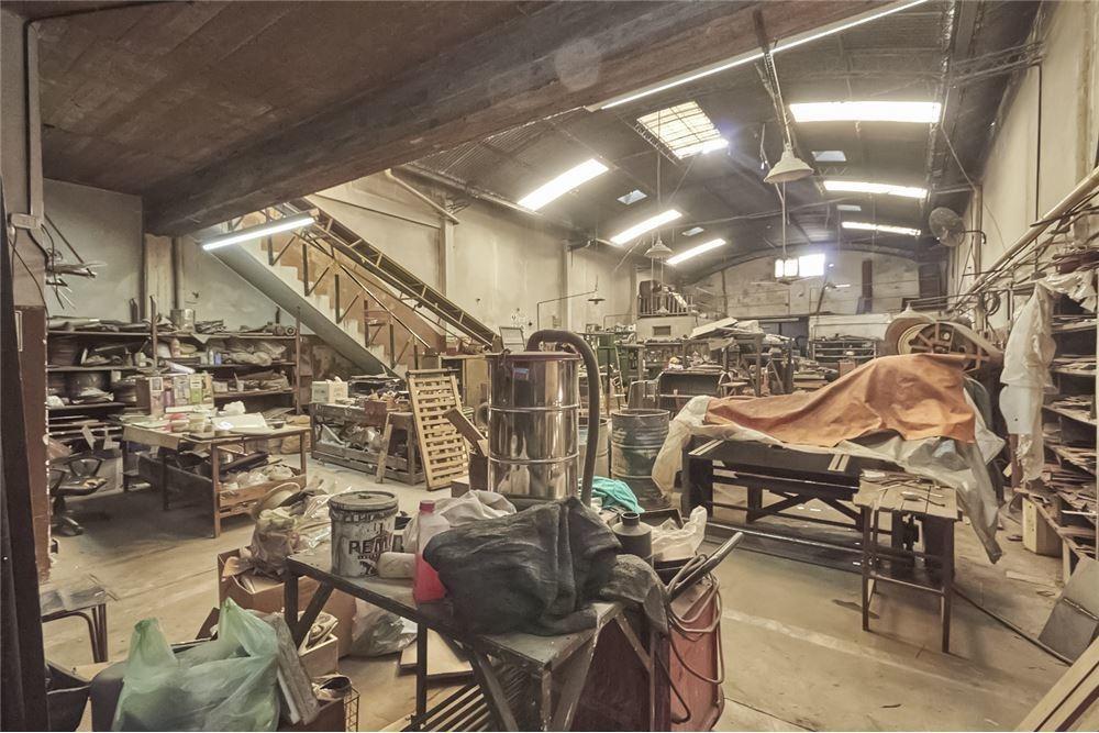 galpón de uso industrial - lomas del mirador