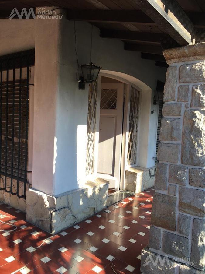 galpón / deposito  de 180 m2.  en venta zon. comercial c2