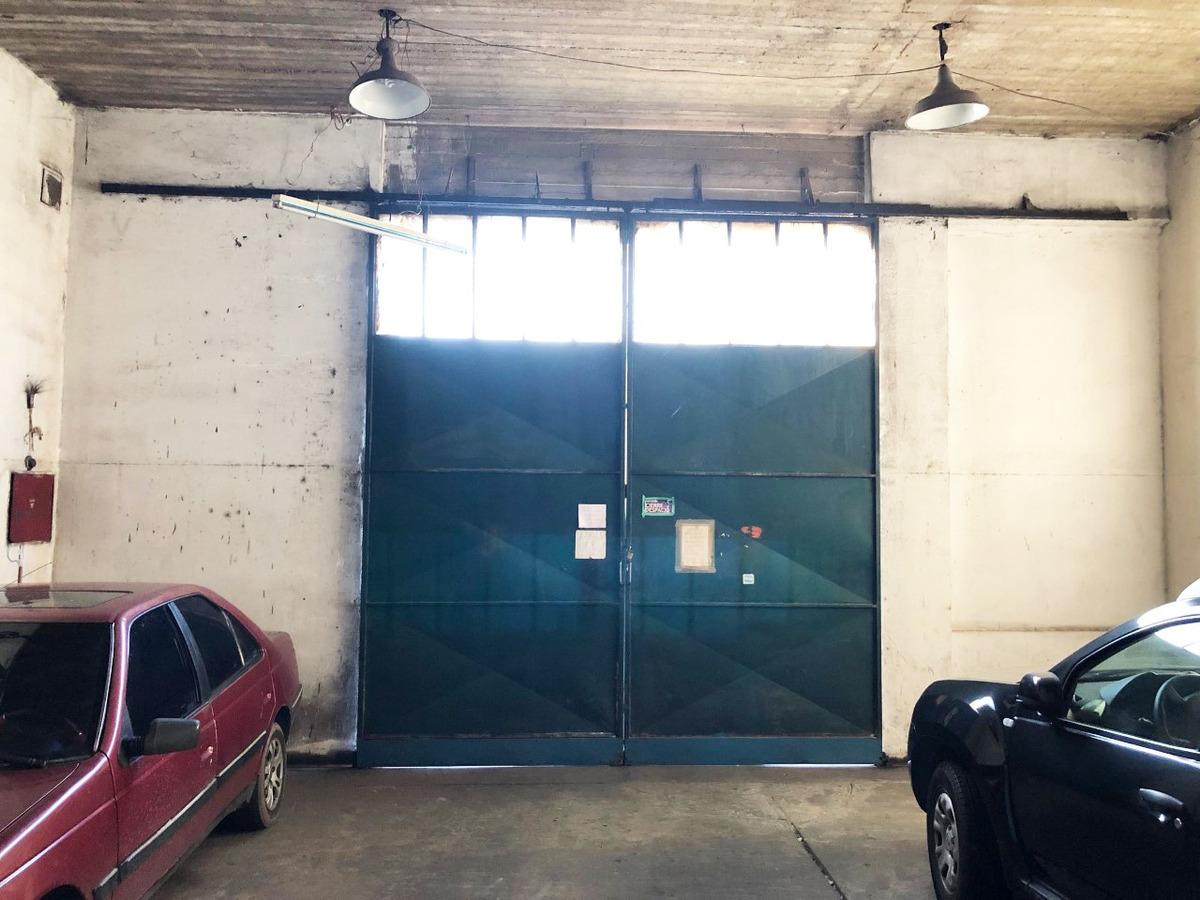 galpon doble altura con fosa y elevador